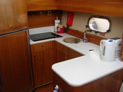 Hampshire boat charter Acamas